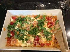 Värikästä Vegetable Pizza, Pesto, Vegetables, Food, Red Peppers, Essen, Vegetable Recipes, Meals, Yemek