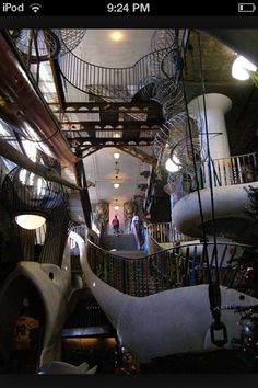 The City Museum in St. Louis boasts features such as old chimneys, salvaged bridges, construction cranes, miles of tile, and even two abandoned planes! St Louis City Museum, The Places Youll Go, Places To See, St Louis Mo, Beautiful Architecture, Places To Travel, Travel Destinations, Beautiful World, Missouri