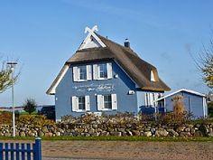 Exklusives+Reetdachhaus+am+Wasser,+Terrasse,+Kamin,+Sauna,+WLAN,+Grill+-ca.145m²++++-+Albatros+I+*****+auf+RügenFerienhaus in Rügen von @homeaway! #vacation #rental #travel #homeaway