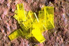 Saléeite, Mg(UO2)2(PO4)2·10H2O