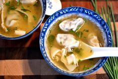 This wonton soup is so soothing and simple. The warm, savory broth is perfect for those chilly nights in. The post This wonton soup is so soothing and simple. The wa… appeared first on Woman Casual. Wan Tan, Asian Recipes, Healthy Recipes, Simple Recipes, Healthy Soup, Asian Soup, Soup And Sandwich, Asian Cooking, Mets