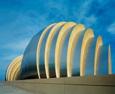 Kauffman Center for the Performing Arts - Kansas City, Missouri - Safdie Architects with BNIM Architects | http://www.pinterest.com/AnkAdesign/structure-lines/