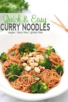 Quick Curry Noodles | These Quick Curry Noodles are a great introduction to curry flavors for those that have never tried a curry before. #vegancurrynoodles #glutenfreecurrynoodles via @VNutritionist