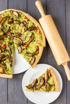 Vegan Guacamole Pizza! - Save recipe on iPhone by ONE snap via Sight (Check How: https://itunes.apple.com/us/app/sight-save-articles-news-recipes/id886107929?mt=8