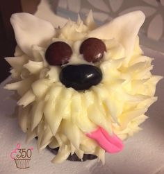 White doggie cupcake made by 350 Classic Bakeshop in Mamaroneck , NY #cupcake