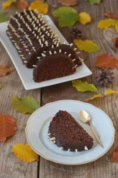 Venison cake recipe – juicy venison cake with chocolate icing, made quickly and easily. The saddle of venison is the perfect cake for children's birthday parties and afternoon coffee. // Sweets & Lifestyle® # saddle of venison Vegan Avocado Recipes, Whole30 Recipes Lunch, Snack Recipes, Dessert Recipes, Desserts, Venison Pie, Marsala Recipe, Austrian Recipes, Breakfast Dessert