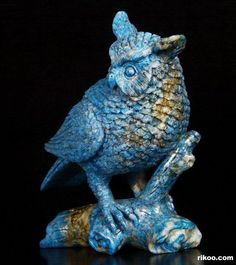 "4.3 "" Carved Lapis Lazuli Owl Sculpture, Stone origin : Afghanistan. Via rikoo.com ( left side )"