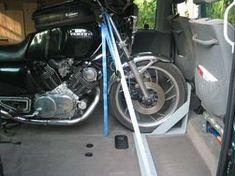 Motorrad im T4: Die Lösung von Dirk - gaskutsche.de T5, Van Life, Cars And Motorcycles, Bacon, Biker, Trucks, Outdoor, Autos, Camper Interior
