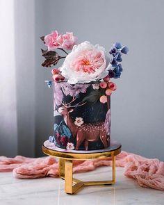 Coconut and lemon bundt cake with raspberry glaze - Historias del Ciervo by Julian Angel Cute Cakes, Pretty Cakes, Beautiful Cakes, Amazing Cakes, Modern Cakes, Unique Cakes, Lemon Bundt Cake, Bundt Cakes, Fondant