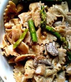 This creamy farfalle pasta is a quick and easy vegetarian meal, packed with sautéed asparagus, mushrooms and crisp walnuts. Dairy Free Recipes, Veggie Recipes, Real Food Recipes, Vegetarian Recipes, Cooking Recipes, Healthy Recipes, Entree Recipes, Gluten Free, Asparagus And Mushrooms