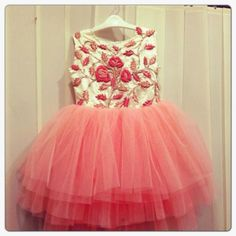 Kids Fashion Kids Dress Wear, Kids Gown, Kids Wear, Frock Patterns, Kids Dress Patterns, Baby Girl Fashion, Kids Fashion, Little Girl Dresses, Girls Dresses