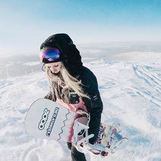 Snowboarding @sannioksanen Ski And Snowboard, Snowboarding, Skiing, Snow Clothes, Snow Outfit, Snow Fun, How To Make Snow, Best Part Of Me, Gears
