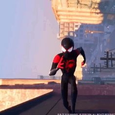 In Spider-man: Into the Spider-Verse through out most of the film Miles Morales is animated at 12 frames per second, whereas Peter Parker and the other experienced Spider-people are animated at 24 frames per second, later in the film Miles is animat Spiderman Girl, Black Spiderman, Spiderman Spider, Spider Gwen, Hq Marvel, Marvel Dc Comics, Marvel Heroes, Miles Morales Spiderman, Adam Warlock