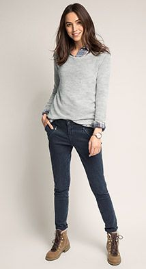 Esprit / Stretch-Chino mit Trendwaschung Casual Chic, Style Casual, Casual Work Outfits, Winter Outfits For Work, Work Casual, Queer Fashion, Work Fashion, Womens Fashion, Street Style Edgy