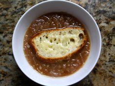 Caramelized Balsamic-Red Onion Soup with Cheese-Topped Croutons (serious eats) Crouton Recipes, Soup Recipes, Cooking Recipes, Copycat Recipes, Fish Recipes, Crockpot Recipes, Recipies, Vegan Recipes, Dinner Recipes