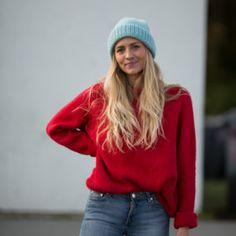 Lola sweater knitting kit