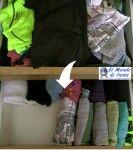 Organizar cajones colocando la ropa en vertical