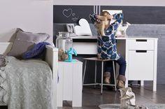 Mooi en praktisch! Met dit bureau Jade creëer je een fijn werkplek, zonder dat het veel ruimte in beslag neemt. Dit bureau is ook erg geschikt voor op een tienerkamer bijvoorbeeld. Mooi he!