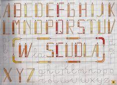 alphabet crayons - toutes-les-grilles.com grilles gratuites point de croix crochet tricot amigurumi Cursive Alphabet, Monogram Alphabet, Cross Stitch Alphabet, Crochet, Bullet Journal, Album, Crayons, Archive, Create