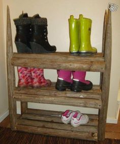 Heinäseipäistä kenkäteline Shoe Rack, Recycling, Projects To Try, Woodworking, Tools, Home Decor, Eggs, Instruments, Decoration Home