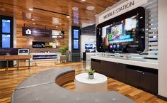 Time Warner Cable flagship store by Reality Interactive, New York City