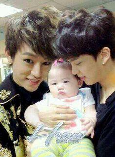DAEJAE O_____O   Daehyun & Youngjae & baby >.< #BAP