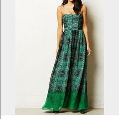 """Anthropologie Vernalis Moulinette Soeurs Dress Stunning, strapless dress with molded cups. Petite-49.25""""L. Looks like new. Anthropologie Dresses Maxi"""