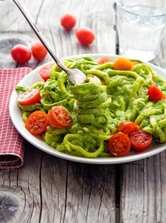 Creamy Avocado Pesto Zoodles #MeatlessMonday