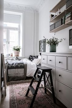 Apartment Minimalist Bedroom Ideas to Help You Get Comfortable