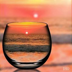 Beautiful reflection of a sunset through a glass. Creative Photography, Amazing Photography, Nature Photography, Beautiful Sunset, Beautiful World, Pretty Pictures, Cool Photos, Amazing Pictures, Belle Photo