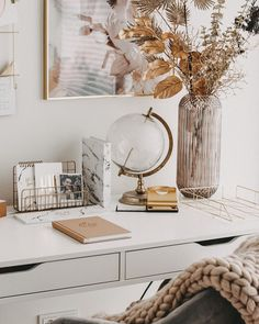 home decor idea Natural Wood Decor, All White, House Colors, Home Office, Layout, Interior Design, Mirror, House Styles, Room