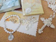 Joyas de plata para niñas y niños de Comunión. Cruces, rosarios, medallas de la Virgen Niña, Pulseras con porfi y pulseras con cruz... ¡no te las pierdas!