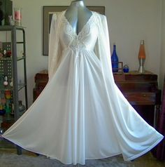 Vintage Olga Lace Nylon Sweep Nightgown Gown Robe Peignoir set. I'd feel like a movie star in this.