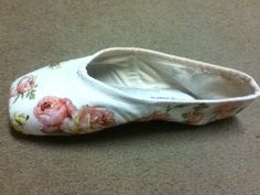 DIY gift Turn pointe shoes into a wonderful ballerina gift. Easy to make.