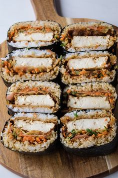 Onigirazu (vegan sushi sandwich) – Recipes to make – - Vegan Sandwich Sushi Recipes, Sandwich Recipes, Asian Recipes, Vegetarian Recipes, Sushi Sandwich, Sandwiches For Lunch, Vegan Japanese Food, Japanese Sushi, Manado