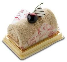 Resultado de imagem para bolos e doces para comemorar o dia das maes