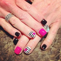 black and pink nails täby