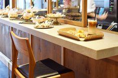 【大阪市 miee bakery(ミーベーカリー)様】 大阪・西心斎橋の「miee bakery」様にて、カウンターチェア「yu-counter chair」×5脚をお使いいただいています。  #カウンターチェア #カウンター椅子 #無垢カウンターチェア #京都 #日本製  #counterchair #cafe #japan #kyoto #北欧インテリア #おしゃれなインテリア #おしゃれなカウンターチェア #おしゃれな椅子 #つくりのいいもの #カフェチェア #カフェ家具 #mieebakery #ミーベーカリー Kitchen, Home, Cuisine, Kitchens, Ad Home, Homes, Houses, Haus, Stove