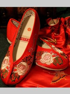 Chinese Roses Embroidery Shoes Claret Red 092dce632f4e