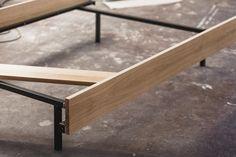 Diy Bed Frame, Bed Frames, Floating Bed Frame, Build A Platform Bed, Steel Bed Frame, Bed Design, Outdoor Furniture, Outdoor Decor, Bed Room