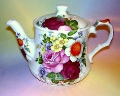 Striking-Colorful-Floral-Windsor-Made-in-England-Teapot
