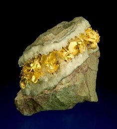 Gold in Quartz - Idarado Mine, Telluride, Ouray District, San Miguel Co. Cool Rocks, Beautiful Rocks, Minerals And Gemstones, Rocks And Minerals, Gold Value, Mineral Stone, Rocks And Gems, Stones And Crystals, Gem Stones