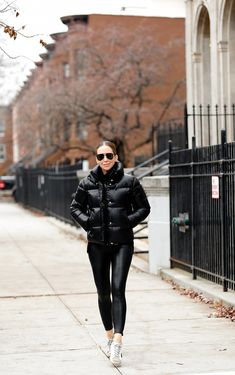 One trend that never seems to be out of date is women's leather pants. Get rid of all those misunderstandings from your mind and achieve quality oats. Yes, more people who use bikers and cowb… Cold Weather Outfits, Winter Outfits, Casual Outfits, Girl Outfits, Fashion Outfits, Fashion Trends, Tight Leather Pants, Leather Blazer, Leather Joggers