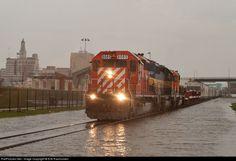 RailPictures.Net Photo: DME 6085 Dakota, Minnesota & Eastern EMD SD40-2 at Davenport, Iowa by Erik Rasmussen