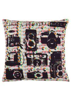 Koristetyynyn päällinen - musta Retro, Sweet Home, Projects, Inspiration, Bedroom, Styling Tips, Amazing, Ideas, Camera