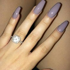 I'm in search of this beautiful nail colour.