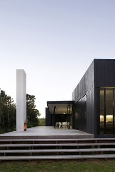 Sandhills Road House / Fearon Hay Architects