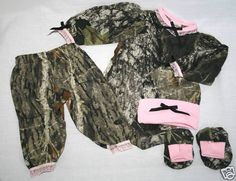 MOSSY OAK CAMO 4PC BABY INFANT ONESIE GIFT SET - GIRL