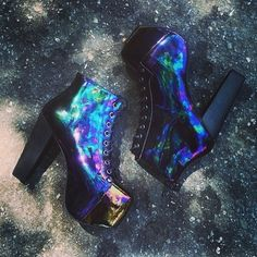 Trendy High Heels For You : oil slick fall shoes… Grunge Style, Soft Grunge, Grunge Outfits, Grunge Fashion, Tokyo Street Fashion, Le Happy, Platform High Heels, Platform Boots, Jeffrey Campbell