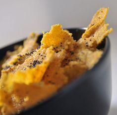 Sfoglie di polenta con semi di papavero e sesamo #italianfood #italianrecipes #foodphotography #foodideas #cookingideas #italia #ricette #cucina